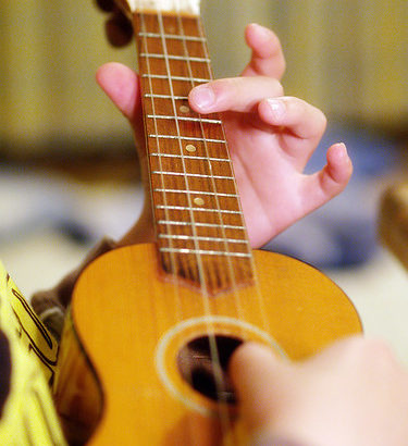"""""""ukulele"""" by strollers is licensed under CC BY-SA 2.0"""